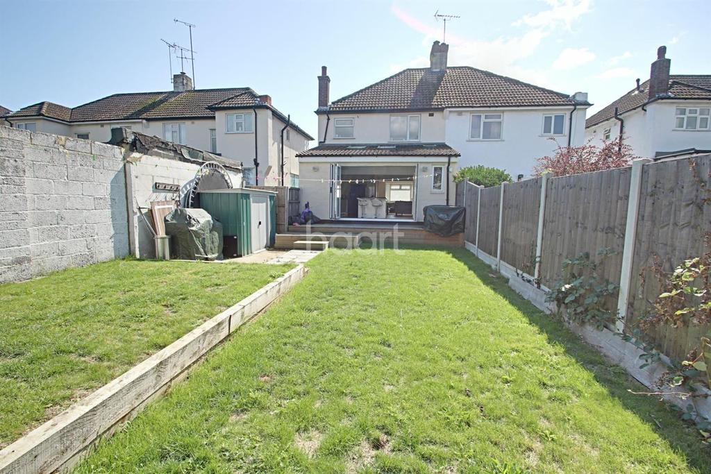 3 Bedrooms Semi Detached House for sale in Prince Avenue