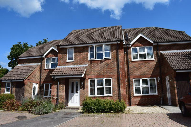 3 Bedrooms Terraced House for sale in Pendleton Gardens, Blackfield, Southampton