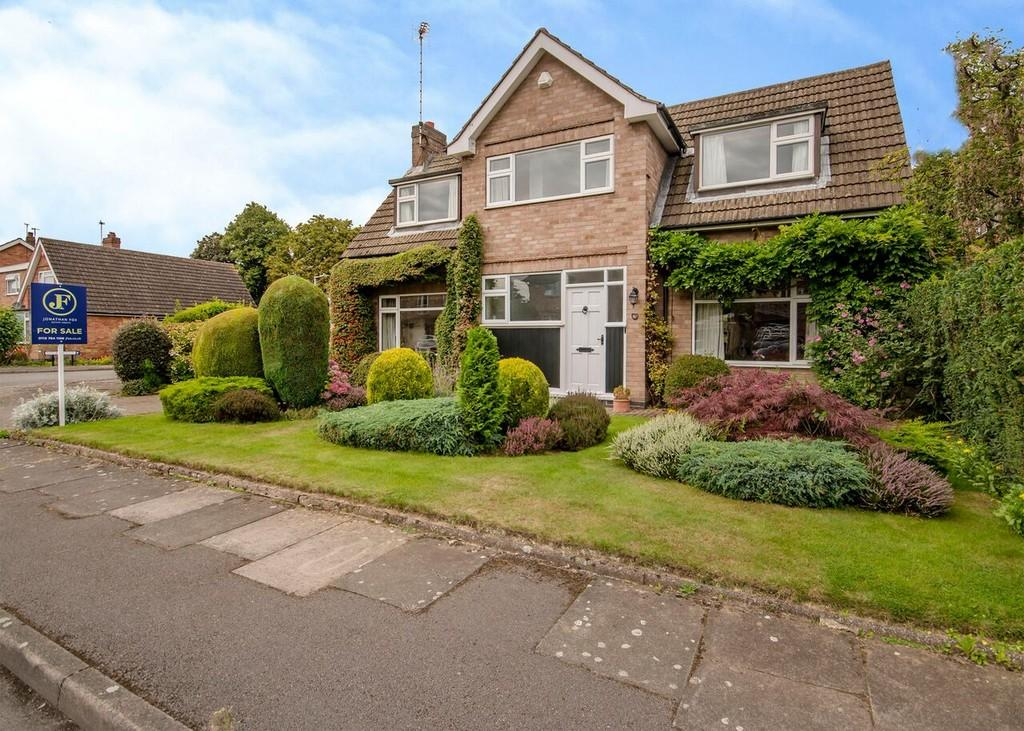 3 Bedrooms Detached House for sale in Reigate Drive, Attenborough