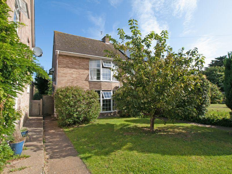 4 Bedrooms End Of Terrace House for sale in Felpham, West Sussex
