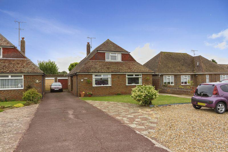 4 Bedrooms Bungalow for sale in Littlehampton Road, Worthing
