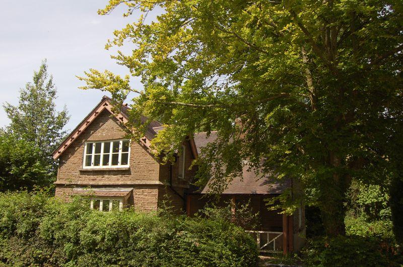 3 Bedrooms Unique Property for sale in The Hendre, Monmouth