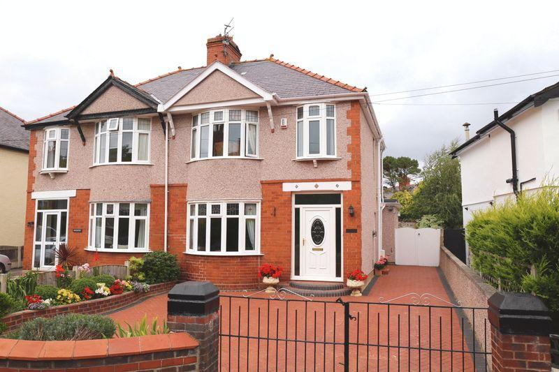3 Bedrooms Semi Detached House for sale in Hylas Lane, Rhuddlan