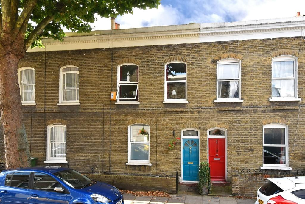 3 Bedrooms Terraced House for sale in Cranbrook Road SE8