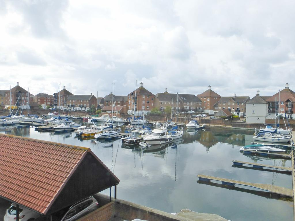 4 Bedrooms Town House for sale in Leeward Quay, Sovereign Harbour South, Eastbourne, BN23