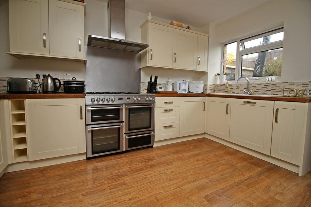 3 Bedrooms Terraced House for sale in Old Hertford Road, Hatfield, AL9