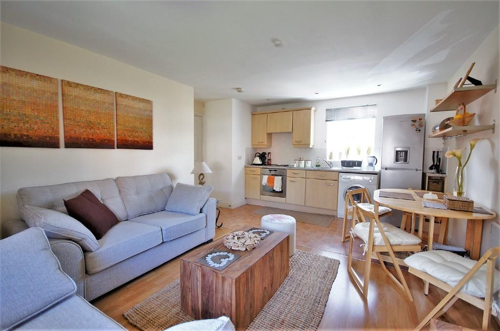 2 Bedrooms Apartment Flat for sale in Byland Close, Lincoln