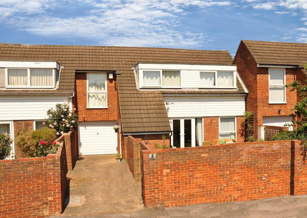 3 Bedrooms Terraced House for sale in Eskdale, St Albans, AL2