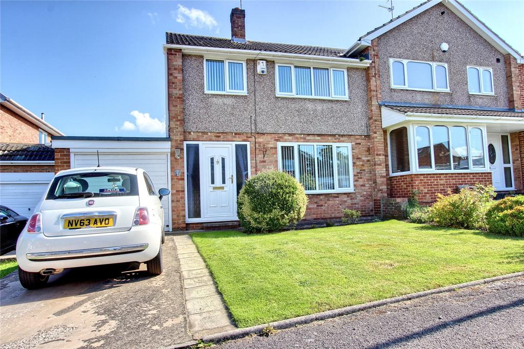 3 Bedrooms Semi Detached House for sale in Southwark Close, Normanby