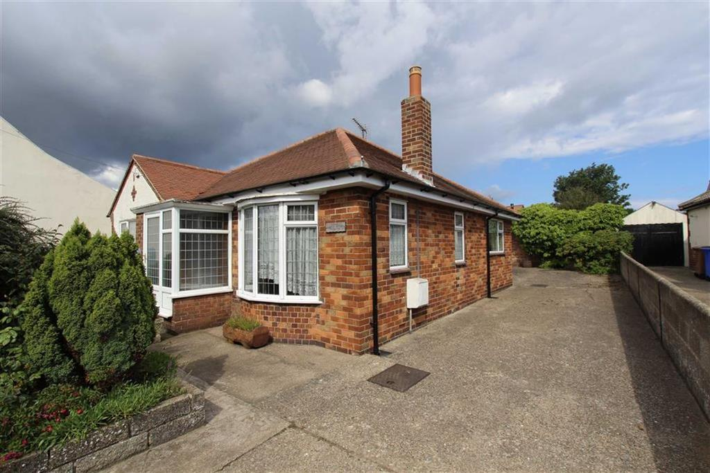 2 Bedrooms Detached Bungalow for sale in Mereside, Flamborough, YO15