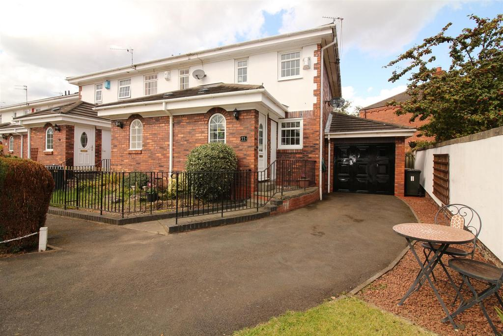 2 Bedrooms Semi Detached House for sale in Stadium Villas, Wallsend