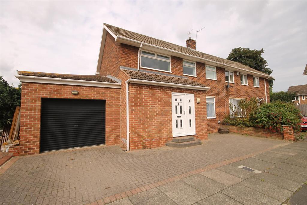 3 Bedrooms Semi Detached House for sale in Danby Grove, Seaton Carew, Hartlepool