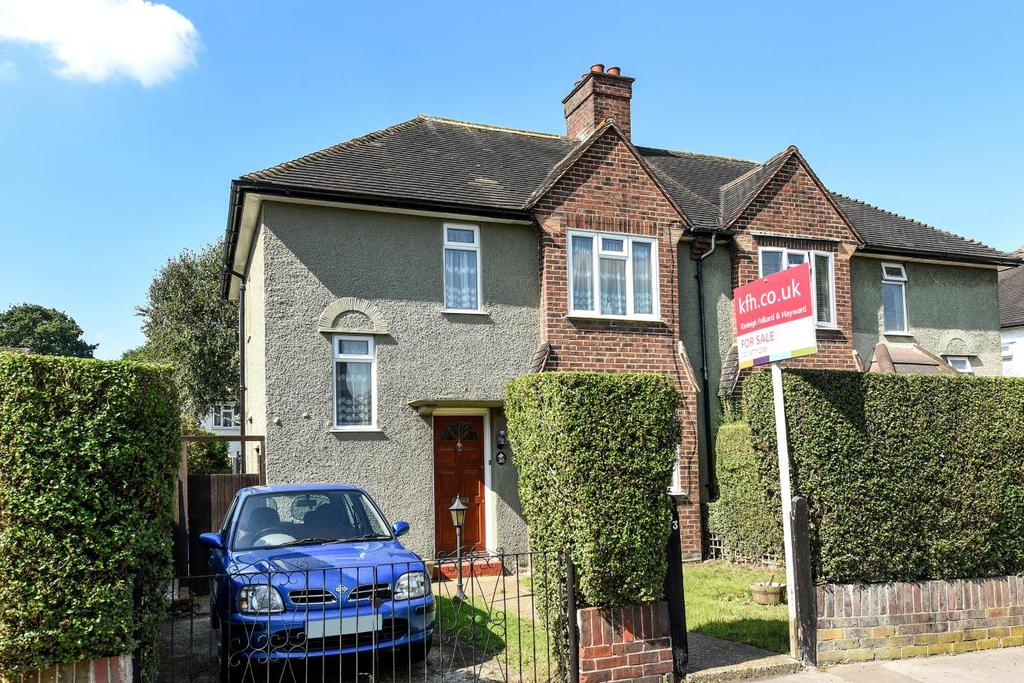 3 Bedrooms Semi Detached House for sale in The Glade, Croydon