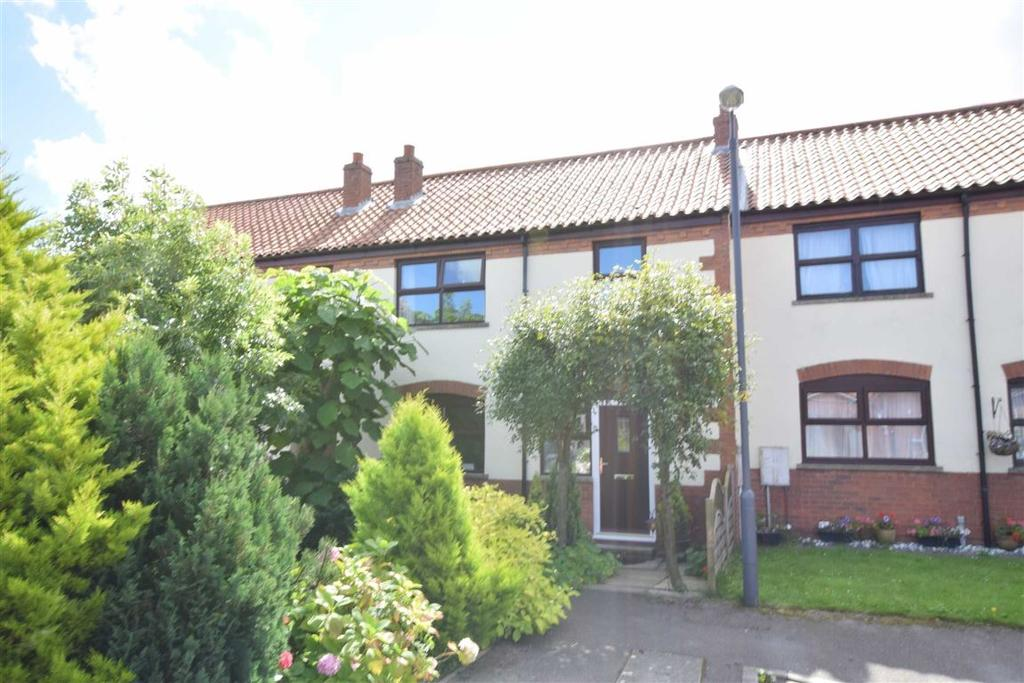 3 Bedrooms Terraced House for sale in Veterinary Close, Hunmanby, Filey