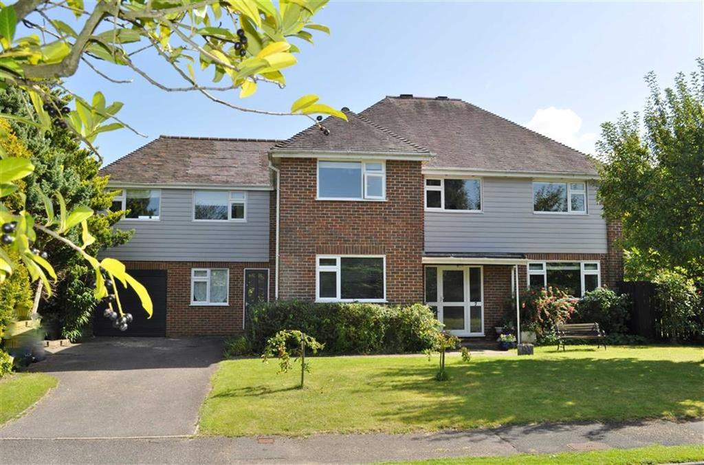 5 Bedrooms Detached House for sale in Swiss Close, Rowledge, Farnham
