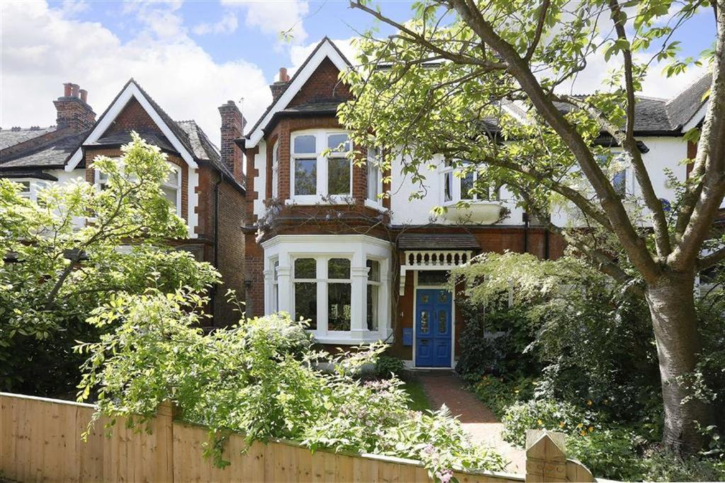 5 Bedrooms Semi Detached House for sale in Court Lane Gardens, London
