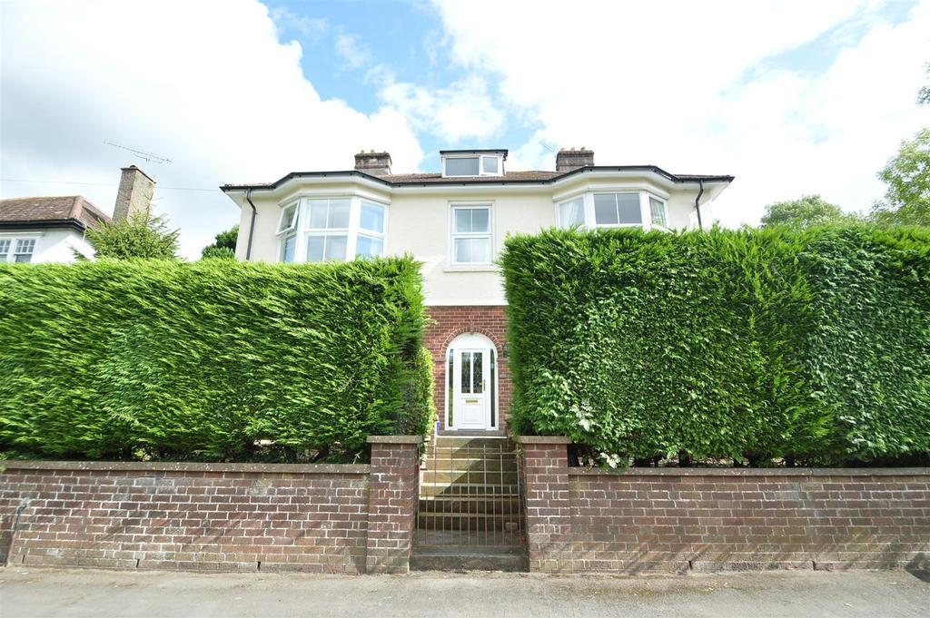 4 Bedrooms Detached House for sale in 171 Watling Street South, Church Stretton SY6 7BJ