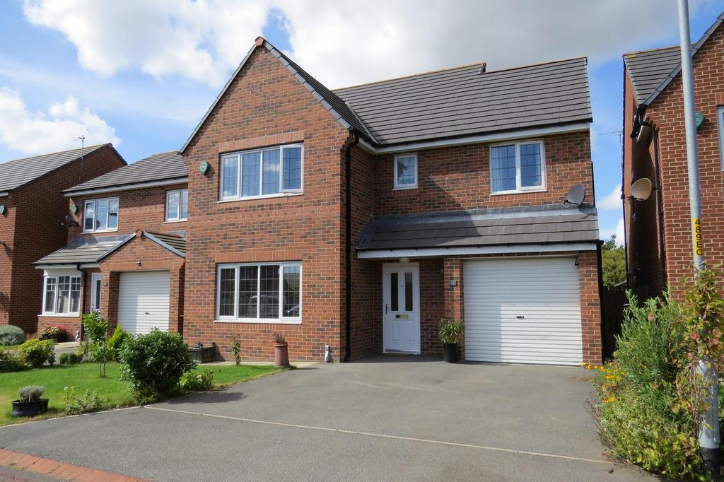 4 Bedrooms Detached House for sale in Foxcover, Linton