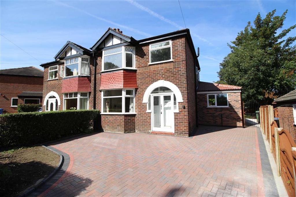3 Bedrooms Semi Detached House for sale in Dumber Lane, Sale