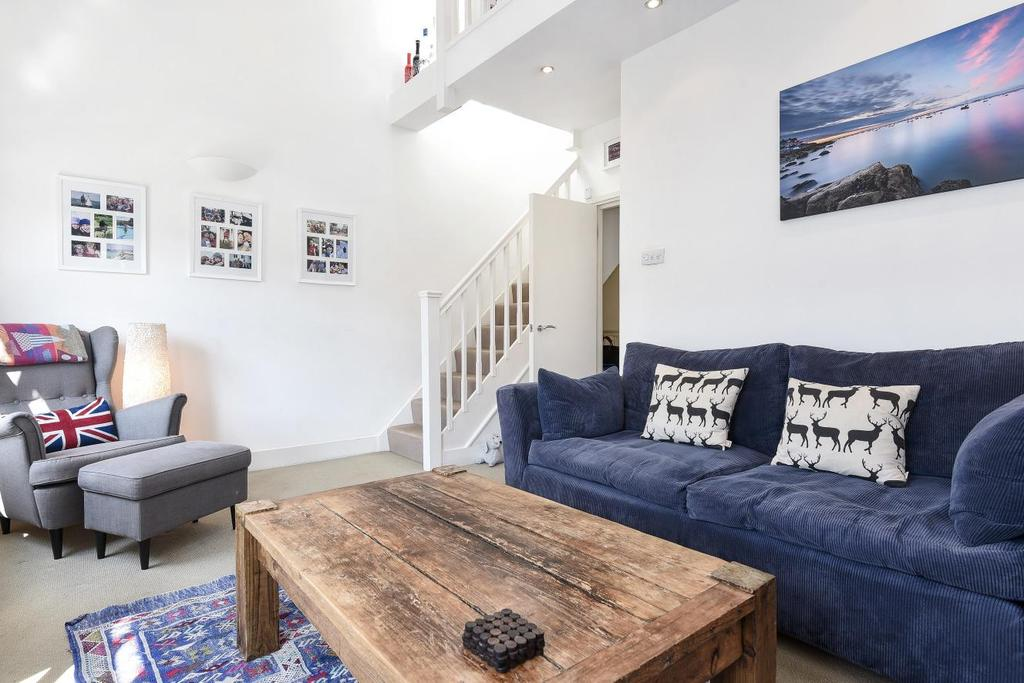 2 Bedrooms Flat for sale in Broughton Road, Fulham