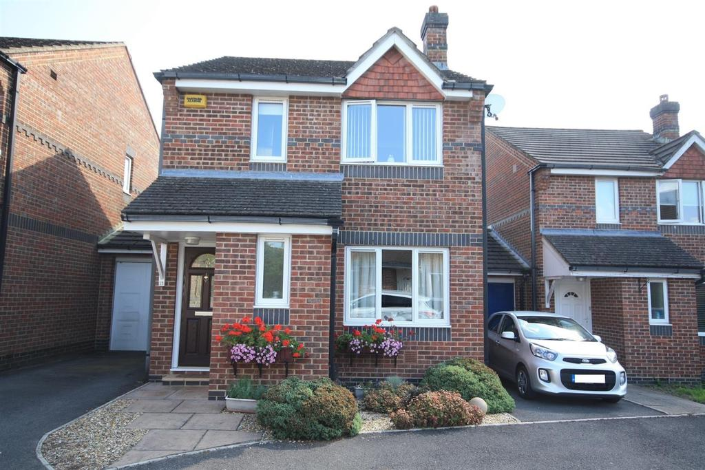 3 Bedrooms Detached House for sale in Denham Fields, Eastleigh