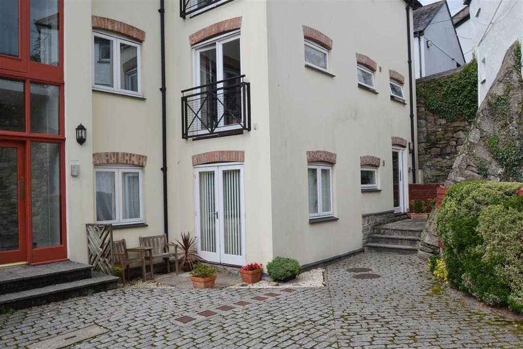 2 Bedrooms Apartment Flat for sale in Harbour Village, Penryn