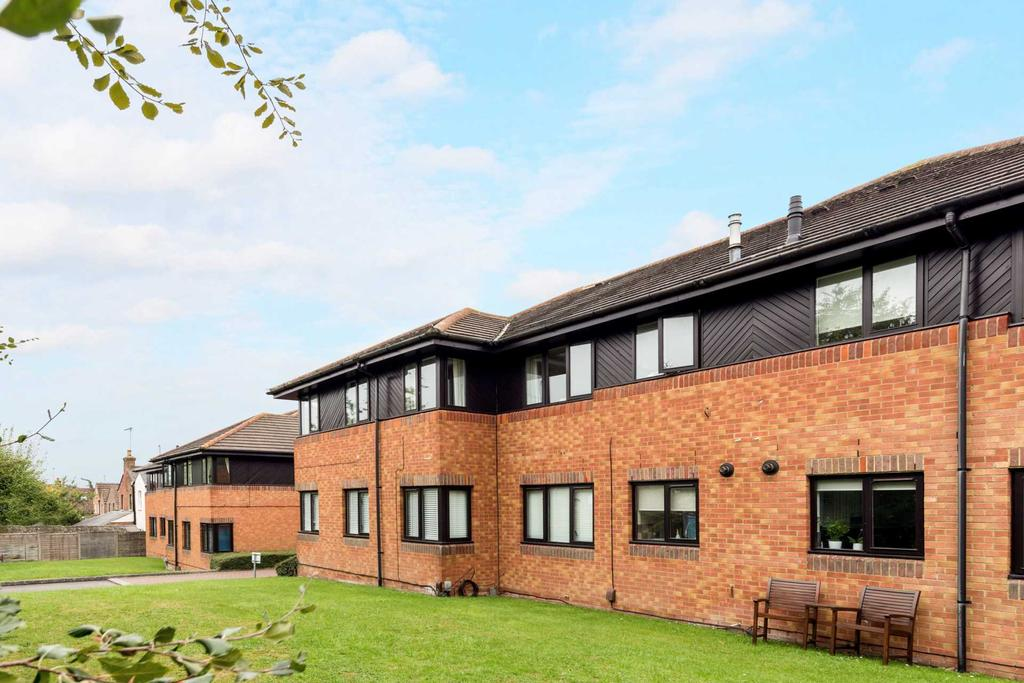 2 Bedrooms Apartment Flat for sale in Longfield Road, Tring