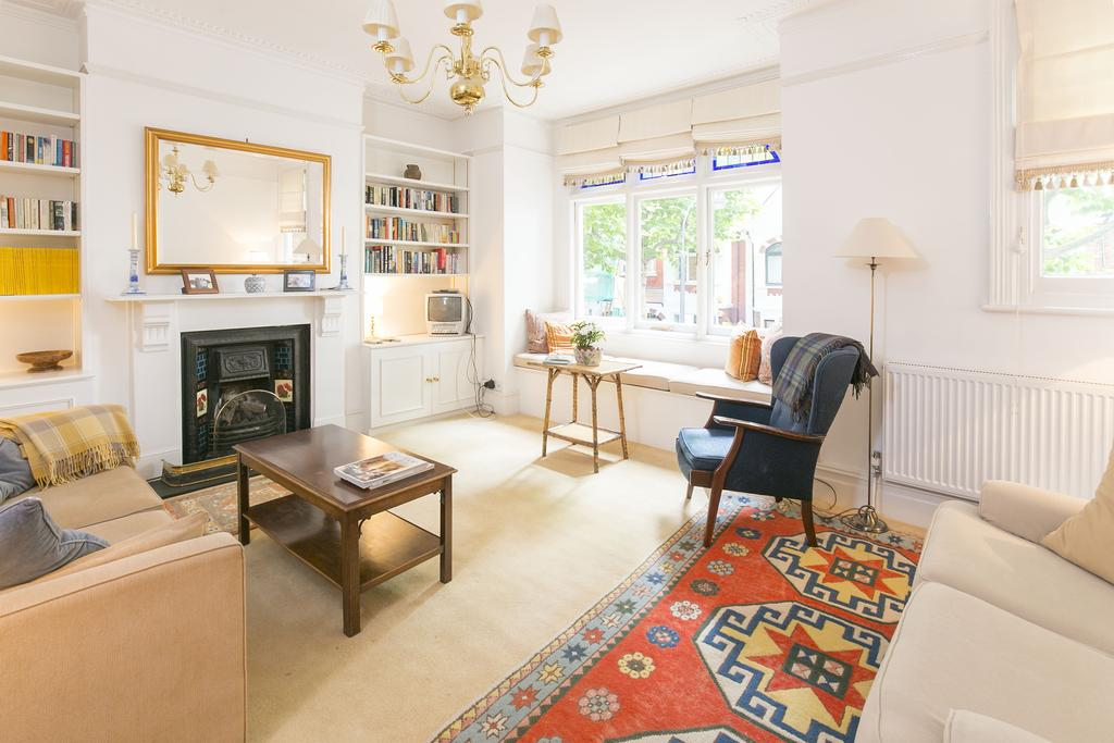 3 Bedrooms Flat for sale in Niton Street, SW6