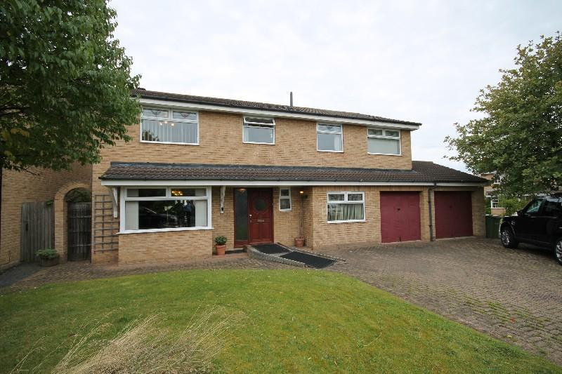 6 Bedrooms Detached House for sale in Goldcrest Close Ingleby Barwick, Stockton-On-Tees