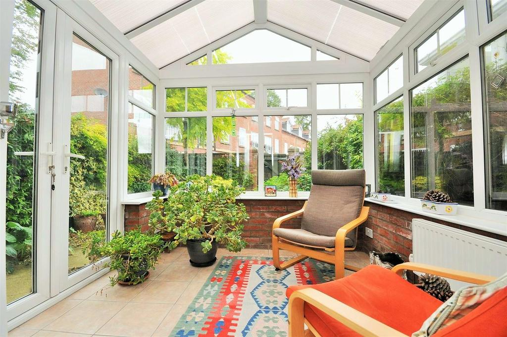 3 Bedrooms Town House for sale in Grosvenor Park, Bootham, York, YO30 6BX