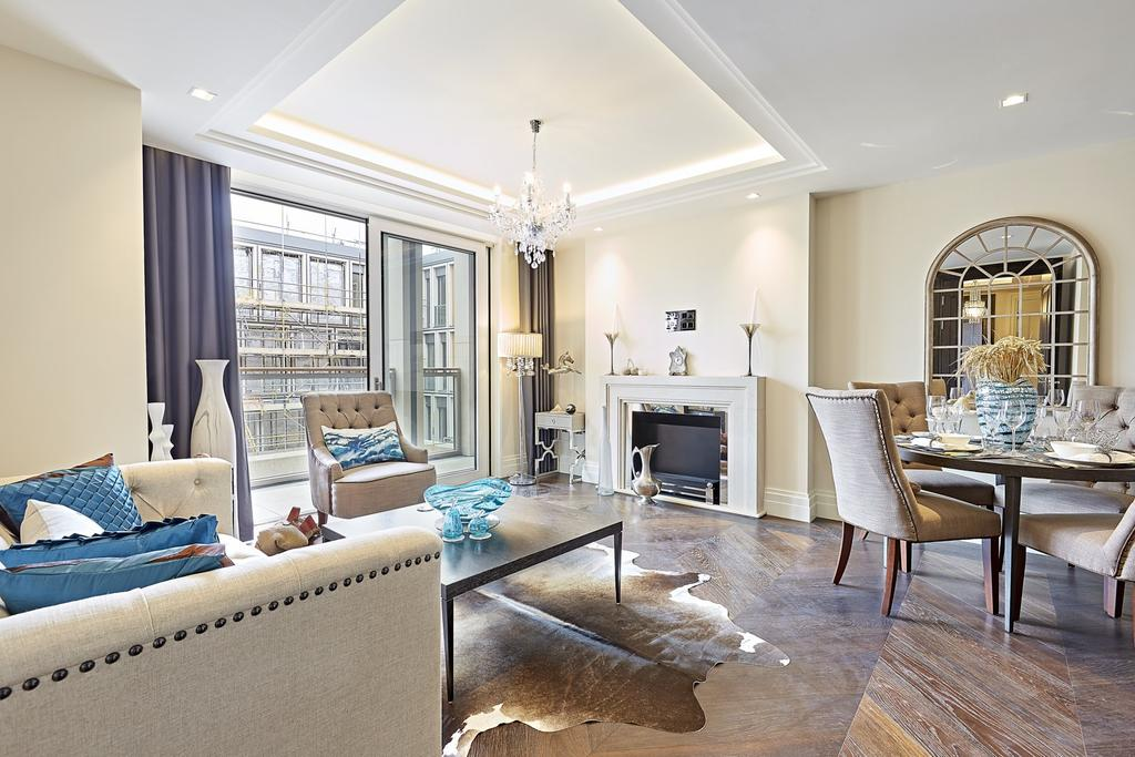 2 Bedrooms Flat for rent in Gladstone House, Strand, Westminster, London, WC2R
