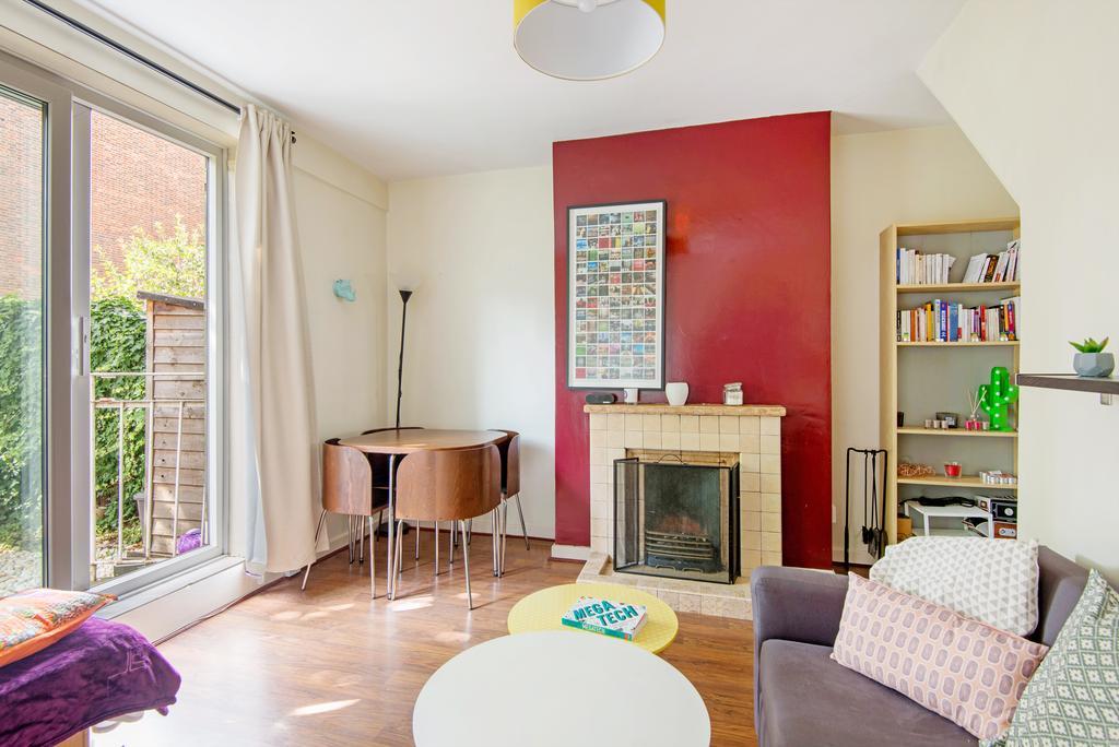 2 Bedrooms Maisonette Flat for sale in Pitfield Street, Islington, London N1