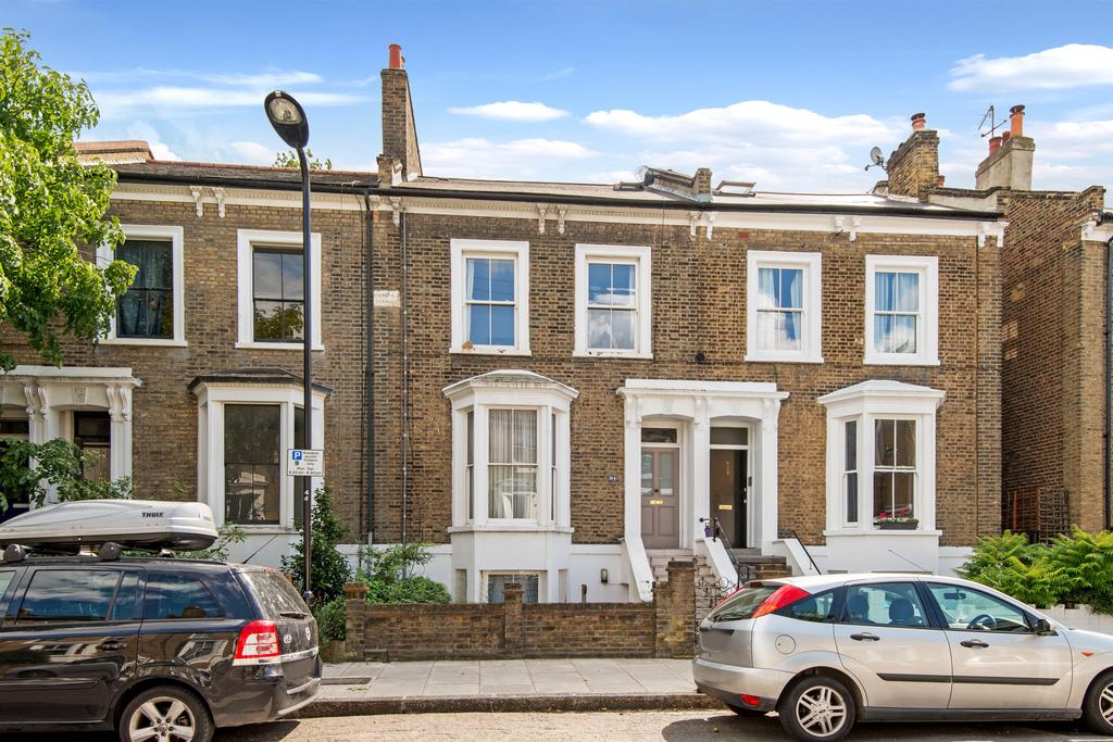 2 Bedrooms Duplex Flat for sale in Forest Road, Hackney, London E8
