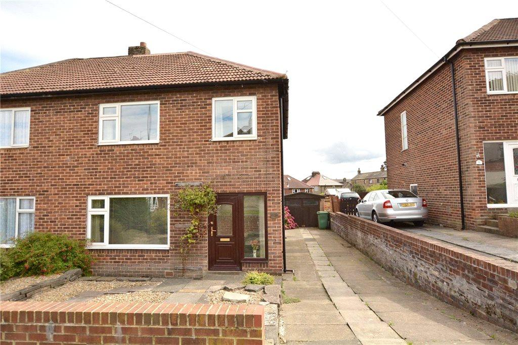 3 Bedrooms Semi Detached House for sale in Woodlands Park Road, Pudsey, West Yorkshire