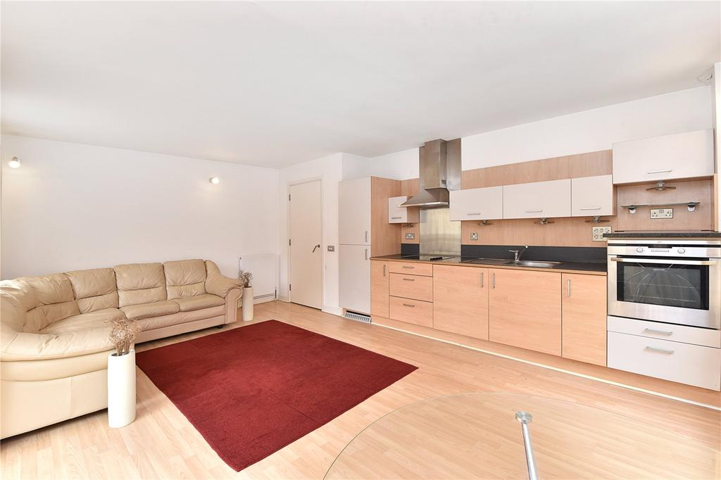 1 Bedroom Flat for sale in Becquerel Court, Greenwich, London