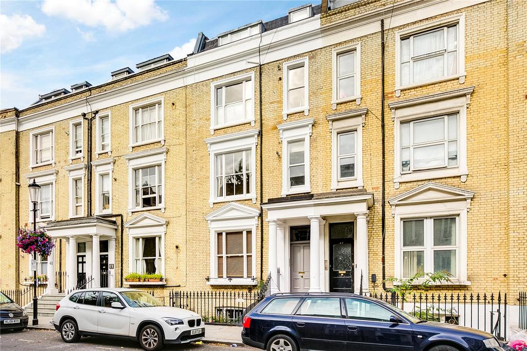 2 Bedrooms Flat for sale in Eardley Crescent, Earls Court, London