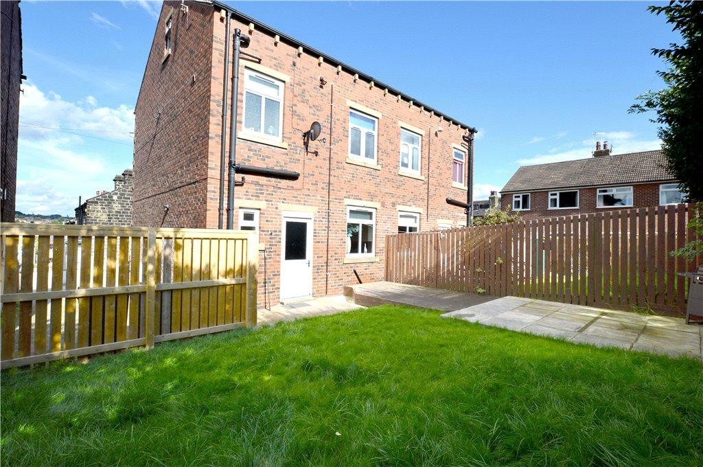 3 Bedrooms Semi Detached House for sale in Wesley View, Rodley, Leeds, West Yorkshire
