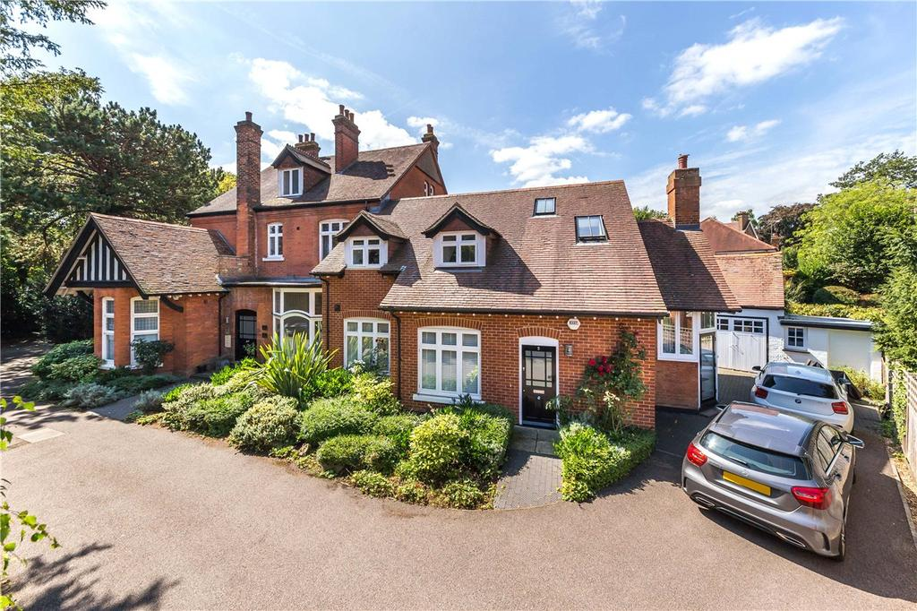 2 Bedrooms Flat for sale in Sundale, Althorp Road, St. Albans, Hertfordshire