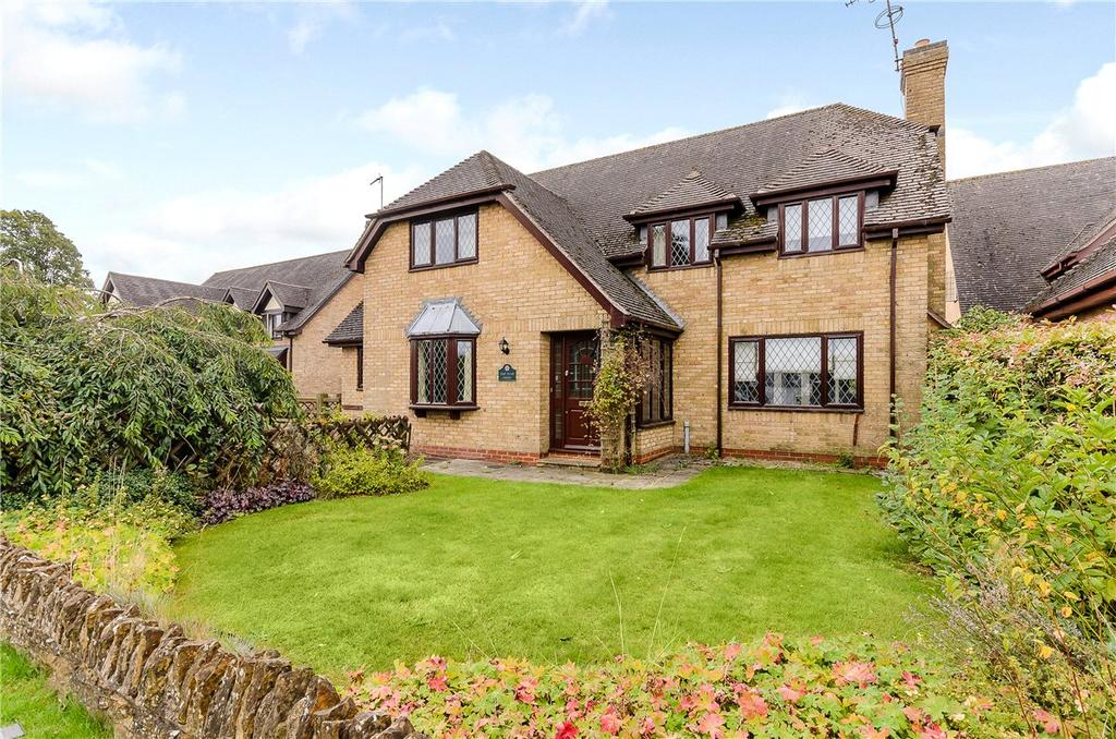 4 Bedrooms Detached House for sale in The Green, Guilsborough, Northampton, Northamptonshire, NN6
