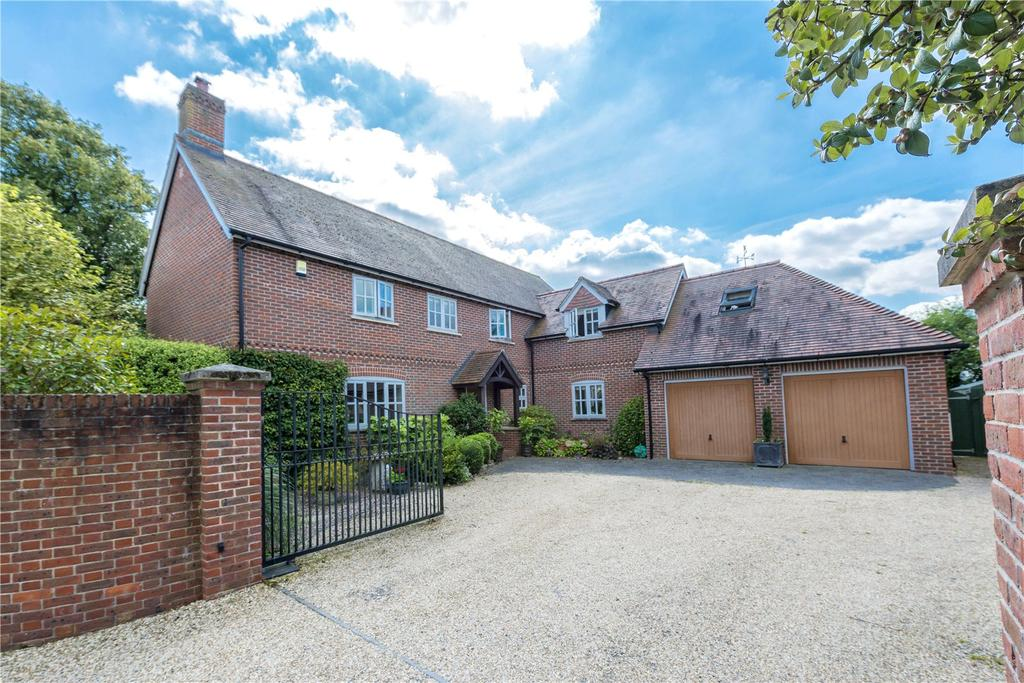 4 Bedrooms Detached House for sale in High Street, Child Okeford, Blandford Forum, Dorset