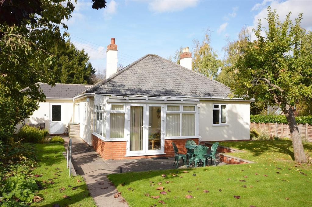 3 Bedrooms Detached Bungalow for sale in Wellington, Hereford