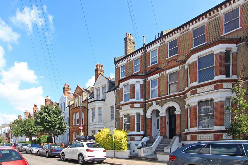 3 Bedrooms Flat for sale in Schubert Road, London