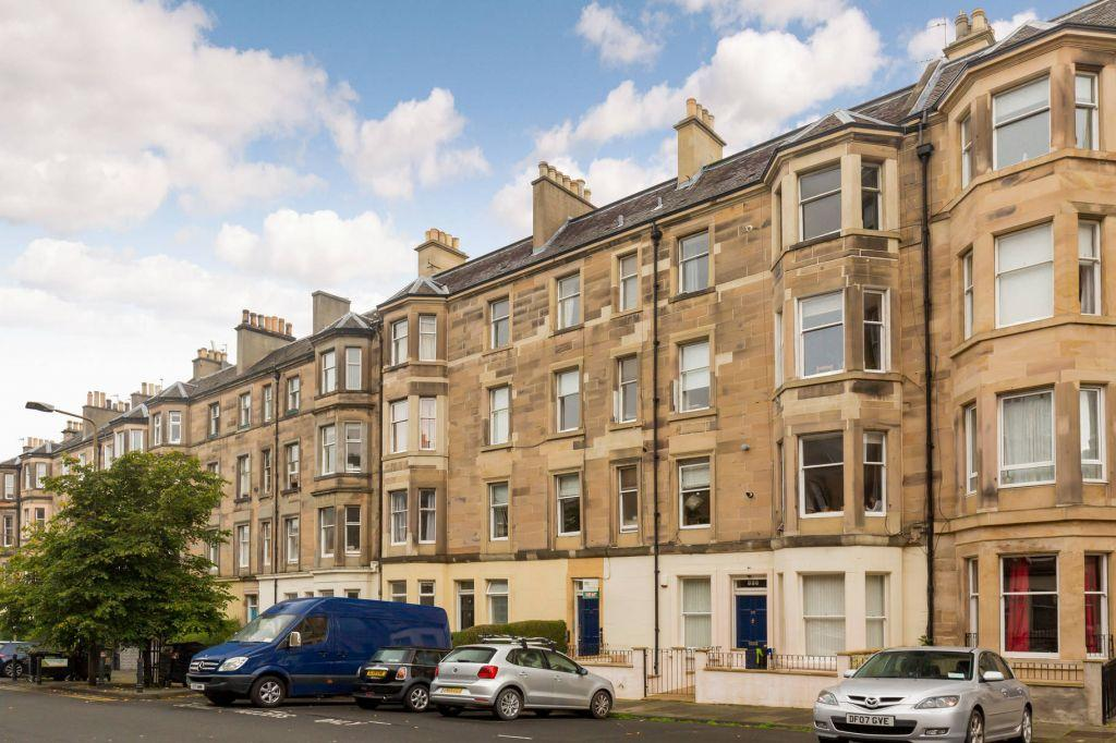 2 Bedrooms Flat for sale in 23/8 Hillside Street, Edinburgh, EH7 5HD
