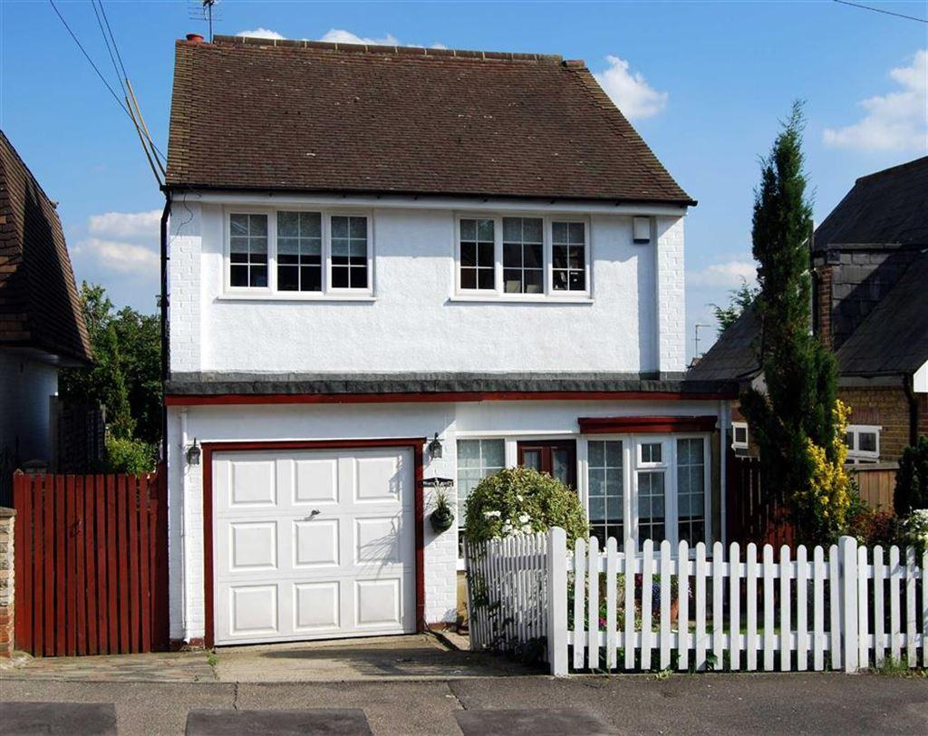 4 Bedrooms Detached House for sale in Plantation Road, BR8
