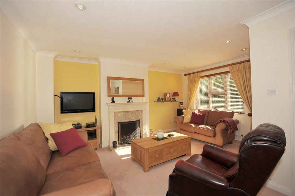 4 Bedrooms Detached House for sale in Arundel Way, Billericay, Essex, CM12