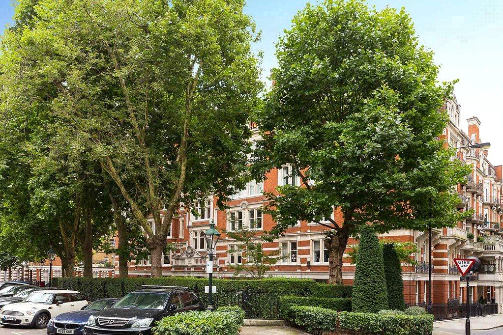 4 Bedrooms Apartment Flat for sale in Campden Hill Court, Campden Hill Road, London, W8