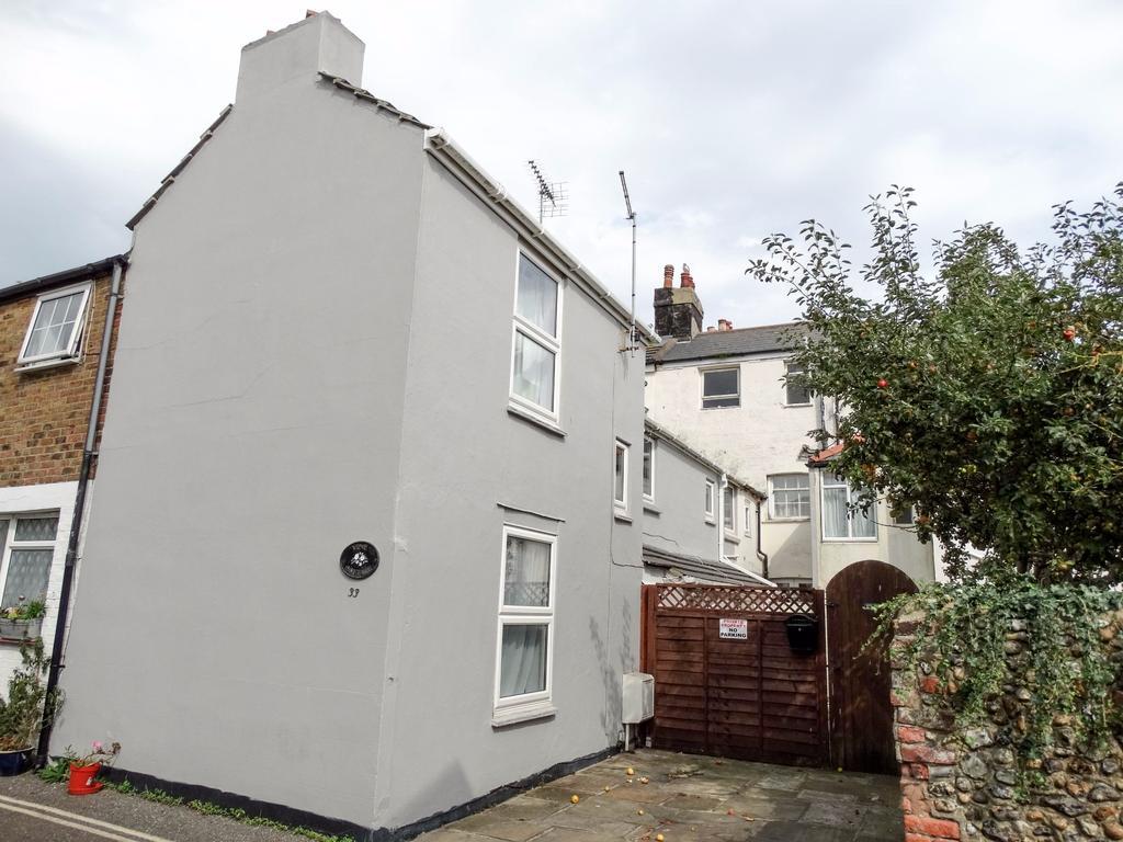 2 Bedrooms Terraced House for sale in Sadler Street, Bognor Regis