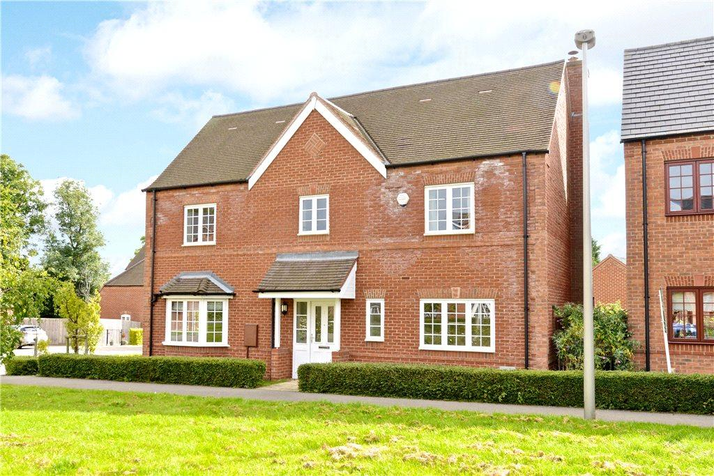 4 Bedrooms Detached House for sale in Dean Forest Way, Broughton Village, Milton Keynes, Buckinghamshire