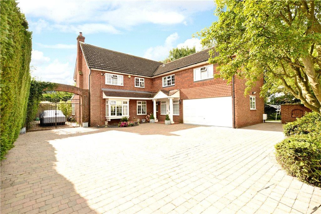 5 Bedrooms Detached House for sale in High Street, Cranfield, Bedfordshire