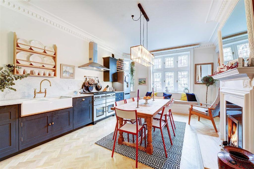 4 Bedrooms Flat for sale in Arundel House, Hove, East Sussex